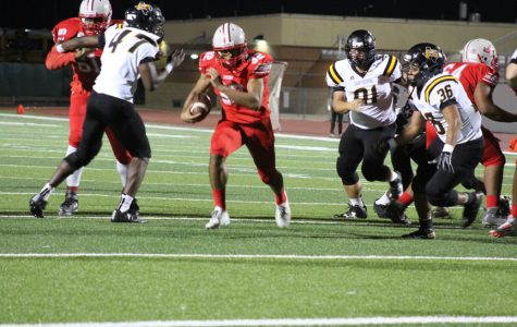 Football wins Homecoming game against the Hornets