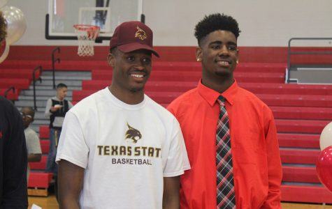 Seniors Shelby Adams and Ray'shawn Dotson sign to play basketball in college