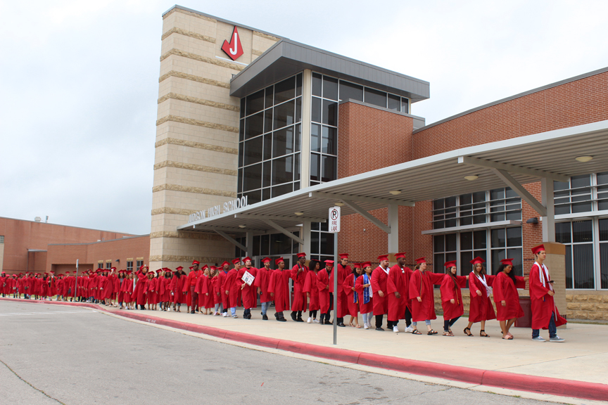 Seniors walk the halls of JISD for the last time