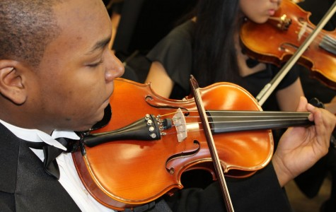 Music Groups Perform Holiday Concerts