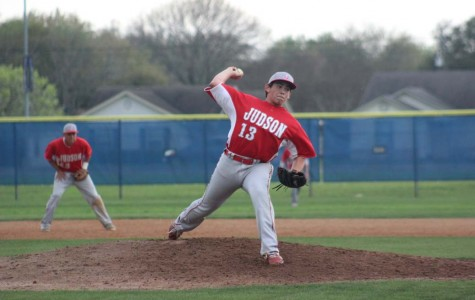Baseball, Softball Begin District Play
