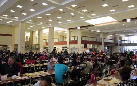 Spanish Club helps out at Thanksgiving Community Feast