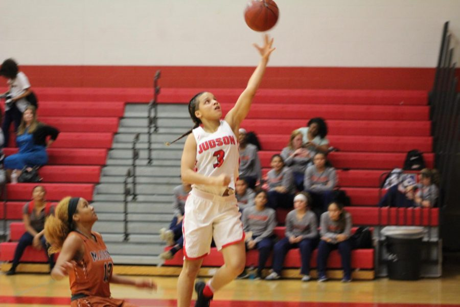 Lady Rockets win first home game