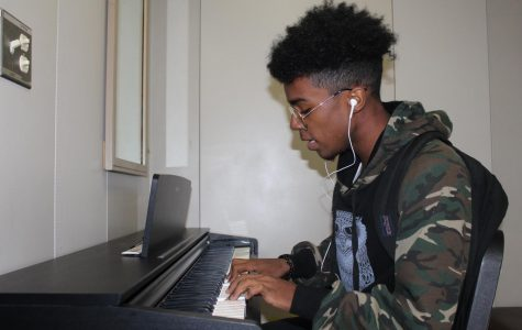 Sophomore Isaac Day producing industry quality R&B music via SoundCloud