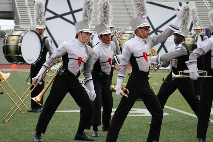 Band+marches+their+show+%E2%80%9CMosaic.%E2%80%9D+The+show+was+much+more+complex+than+previous+Judson+marching+shows.+