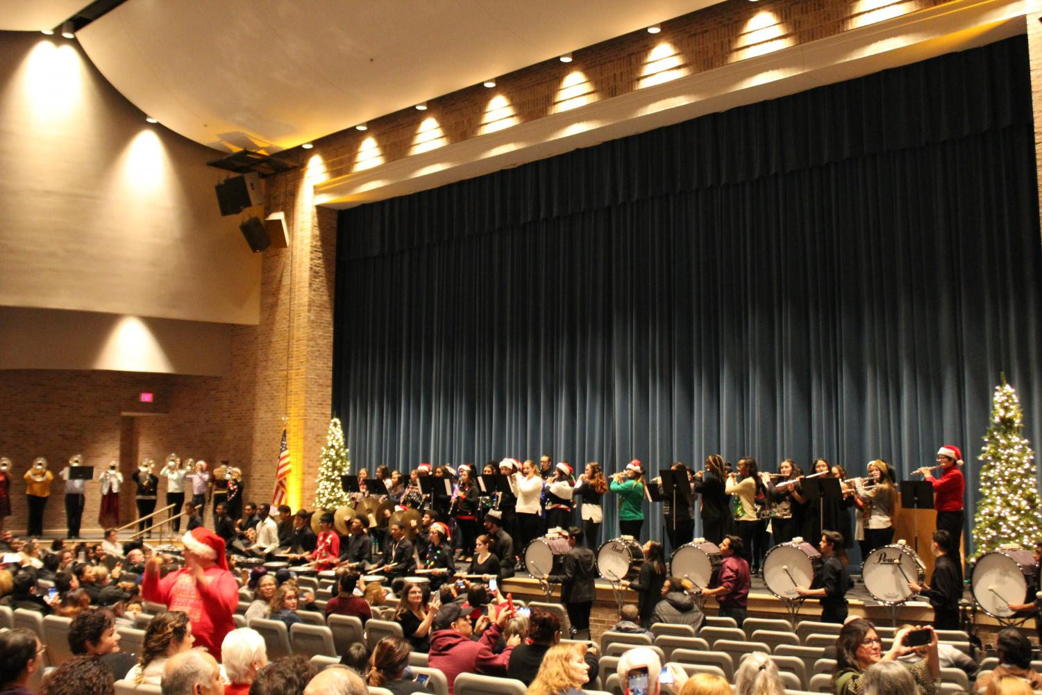 The whole band performs and grand finale at the concert with all the bands playing together. The grand finale was one of the last moments the band would play altogether this year.