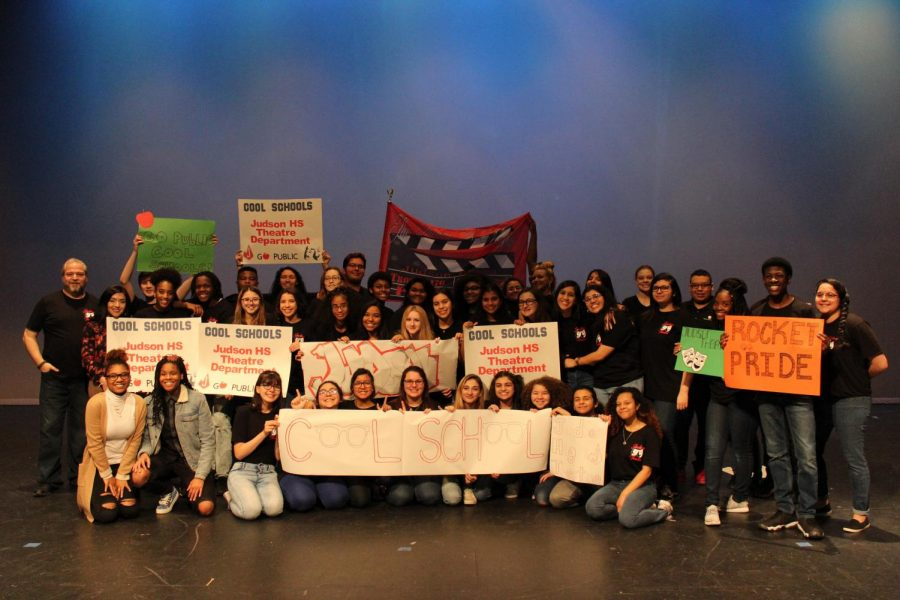 KSAT+recognized+the+Judson+theater+program+as+its+winning+contestant+for+their+%E2%80%98Cool+Schools%E2%80%99+Contest.+During+the+interview%2C+the+actors+did+a+quick+run+through+of+Aladdin.