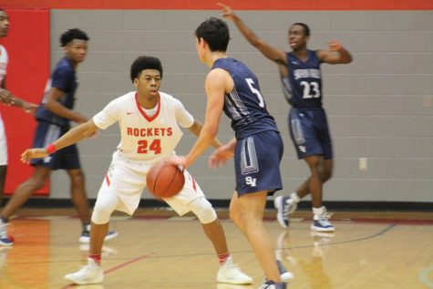 Boys basketball falls to Wagner in season opener