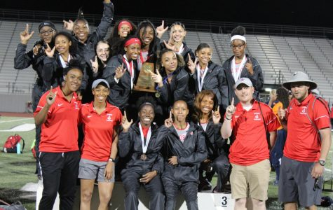 Both boys and girls track teams advance to regionals