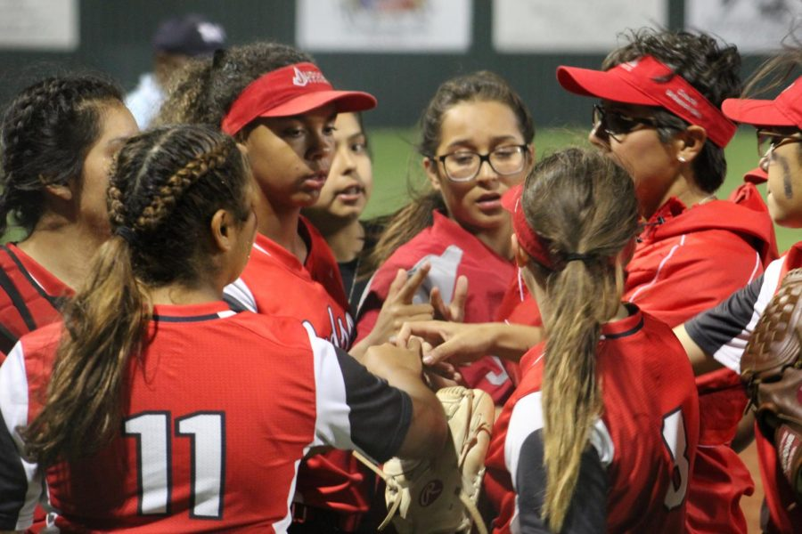 Softball falls to Austin High School