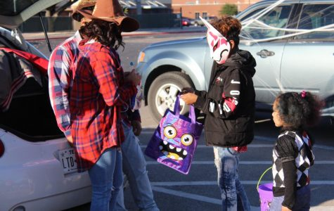 Student Council Class Officers put on Trunk or Treat