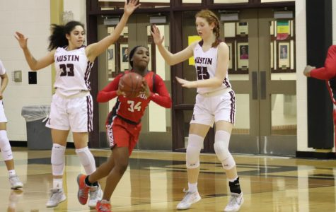 Lady Rockets fend off Austin High, advance to second round