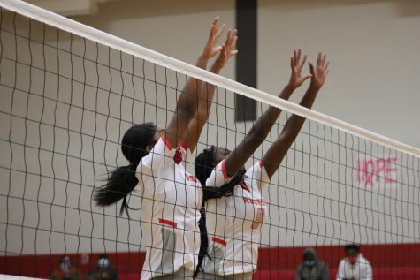 Volleyball hosts Dig for a Cure, falls to Wagner