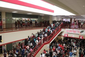 Students transition to their third period in the H and E wing during the first week of school. The campus welcomed nearly 2,700 students last week.