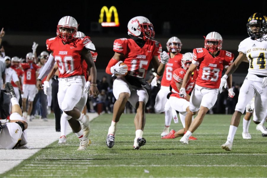 Football falls to East Central